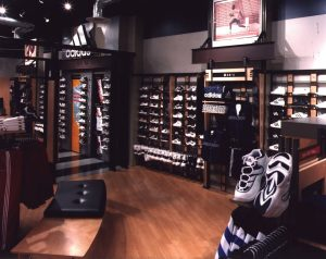 environmental_graphic_design_retail_space