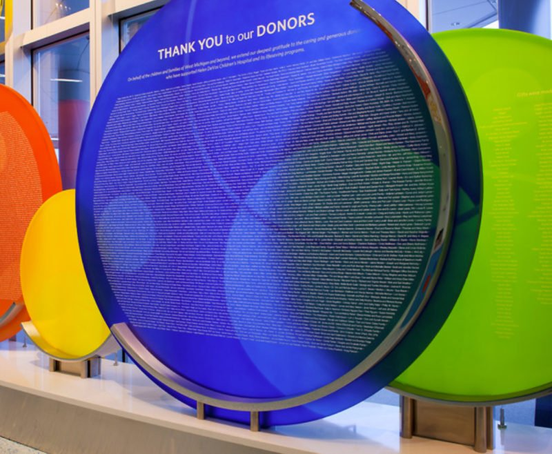 CORPORATE DISPLAY WALLS. A CREATIVE AND INFORMATIVE
